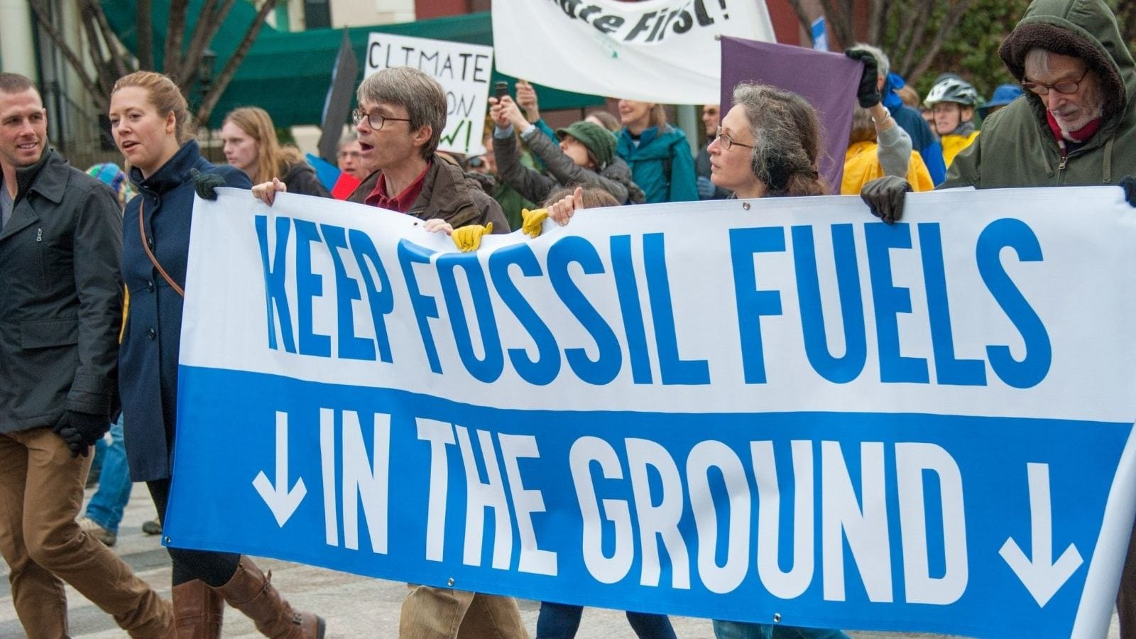 Fossil Fuel Extraction Must be Kept Bare Minimum to Meet Paris Agreement Goal: Study