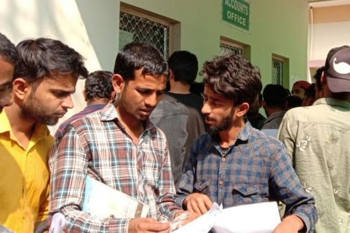 UPPSC APS recruitment 2013: A written exam will be conducted followed by a shorthand typing test and computer knowledge (Representative image)