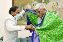 Telangana CM Meets Gadkari, Discusses Water Row With Shekhawat