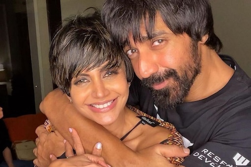 Mandira Bedi and her close friend Ashish Chowdhry are all smiles in this photo.