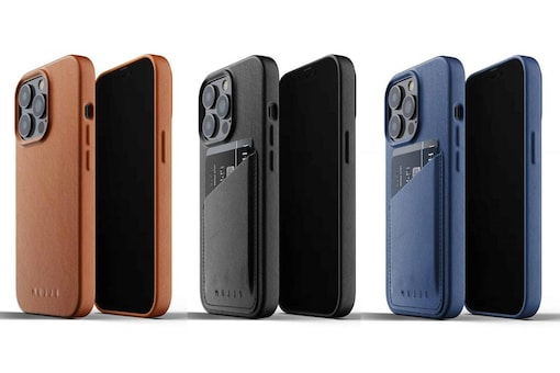 You can choose between the new Full Leather Case and the Full Leather Wallet Case options for your new iPhone