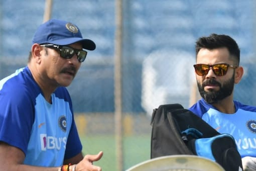 Ravi Shastri (left) and Virat Kohli attended an event before the 4th Test. (AFP Photo)