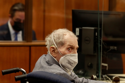Robert Durst looks at jurors as he appears in an Inglewood courtroom in California, US. (Reuters)
