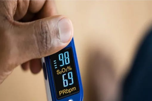 A pulse oximeter has a monitor and it further comprises batteries and a display.