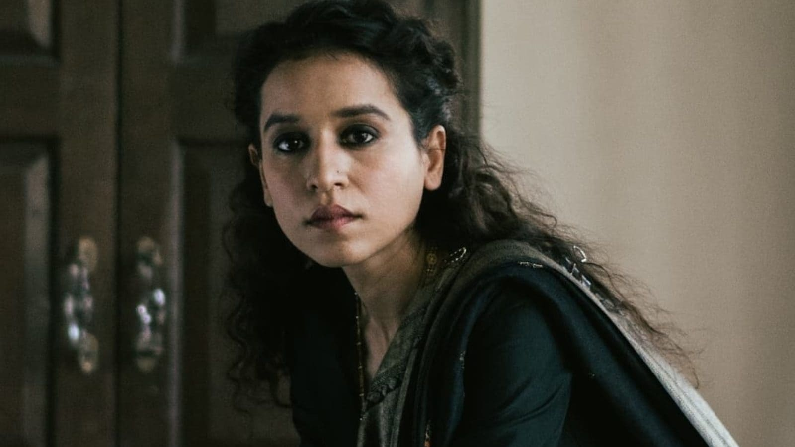 Tillotama Shome Says Troll Called Her 'Flop Actress Who Looks Likes Maid' And Twitter Loses Its Calm