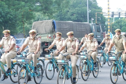 Delhi Fire Service director Atul Garg led nearly 150 fire department officials and fire fighters cycle to Gol Dak Khana from their headquarters in Connaught Place, New Delhi.