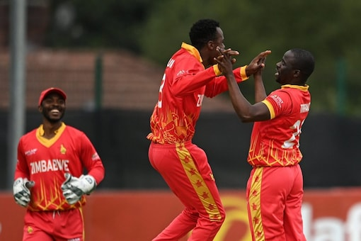 Both Zimbabwe and Scotland gave a tough fight in the first T20I to take a lead by 1-0. (Pic Credit: TW/ZimCricketv)