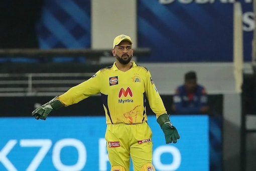 Team India is missing Dhoni's proactive captaincy in World Cups, even as CSK moved forward on confident steps.