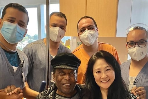 Pele returned home after spending a month in the hospital. (Pele Instagram Photo)