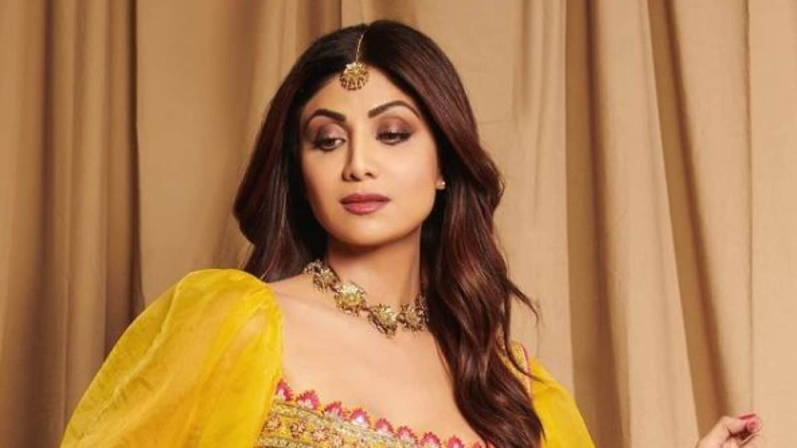Shilpa Shetty Comes Out of Her Comfort Zone, Performs Tribal Squats
