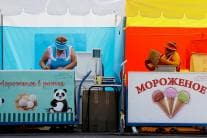 Summer in World Cup Host City Brings Small Army of Ice Cream Vendors