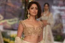 ICW 2018: Yami Gautam Walks the Ramp for Reynu Taandon