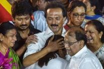 Family Bid Tearful Farewell to DMK Patriarch M Karunanidhi