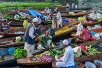 Pictures From Kashmir's Famous Floating Market on Dal Lake