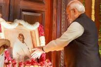 Mahatma Gandhi's 150th Birth Anniversary: Politicians Pay Tribute
