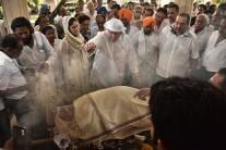 Krishna Raj Kapoor's Funeral: Bollywood Mourns its 'First Lady'
