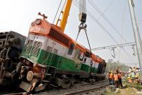 New Farakka Express Train Derailed in Uttar Pradesh's Raebareli
