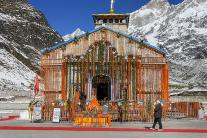 Modi in Kedarnath: Offers Prayers, Reviews the Reconstruction