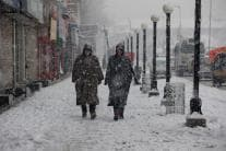 Heavy Snow Disrupts Life in J&K, Roads Closed, Flights Cancelled