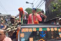 Great Khali Seeks Votes For Anupam Hazra in Kolkata