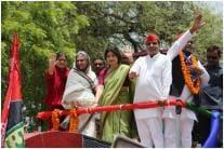 Jaya Bachchan & Dimple Yadav Hold Roadshow in Prayagraj