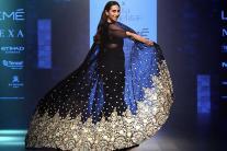 Karisma Kapoor's 45th Birthday: 12 Glamorous Ramp Walk Photos