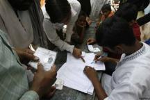 WB panchayat polls fifth phase: 6 injured in TMC-Left clash in Jalpaiguri