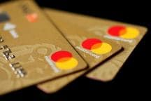 Why Smart Cards Are A Better Option than Normal Credit Cards