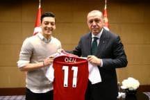 Turkey President Erdogan Calls Ozil, Praises Exit from German Team