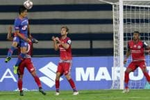 Jamshedpur FC Hold Bengaluru FC to 2-2 Draw With Dramatic Late Strike