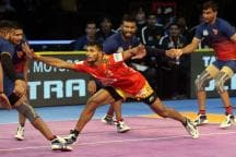 Pro Kabaddi: Gujarat Fortunegiants Hold Dabang Delhi in Thrilling Tie