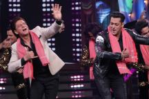Bigg Boss 12: Shah Rukh Khan and Salman Khan Spread Joy in Chaotic Weekend Ka Vaar
