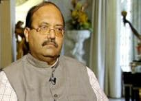 Foes becoming friends? Cong 'invites' Amar Singh