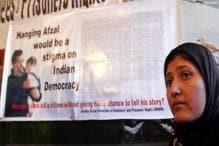 Kasab, Afzal will be treated alike: govt