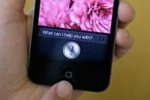 With Siri and new alliances, Apple takes on Google search