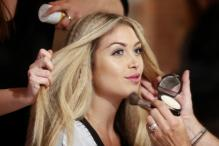 Get Flawless Makeup with Strobing and Flare Highlighting