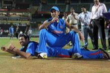 Dhoni Deserves to Go on his Own Terms: Hussey