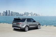 Land Rover Launches Discovery Commercial, Deliveries to Begin in Q2 of 2018