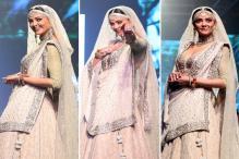 Lakme Fashion Week 2018: Sushmita Sen's Understated Elegance Makes Adjectives Fall Short 