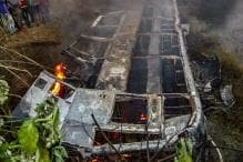 Over 20 Charred to Death as Delhi-bound Bus Falls Into Pit and Catches Fire in Bihar