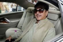 In Swipe at Nitish, Shatrughan Warns 'NDA Friends' to Start Performing  'or Else Tejashwi is Waiting'
