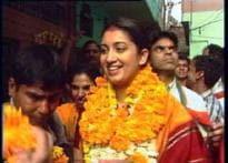 Smriti Irani to debut in Gujarati theatre