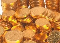 Gold recovers on fresh buying