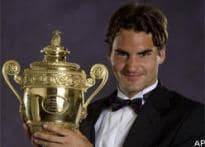 Federer moves closer to Sampras' record