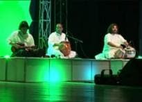 Maestros pay tribute to national flag, spin magic