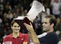 Sampras stuns Federer in final exhibition match
