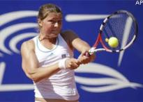 Rivals see Henin as big threat at French Open