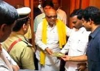 On Anna b'day, DMK gifts freedom to prisoners