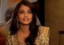 Ash avoids questions on SRK at <i>Drona</i> premiere