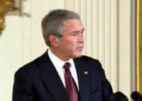Bush greets Obama at White House